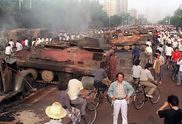 """Não havia espaço para um compromisso: a decisão de """"limpar a praça"""" veio diretamente de Deng Xiaoping e o """"massacre de Beijing"""" aconteceu na noite de 3 para 4 de Junho"""