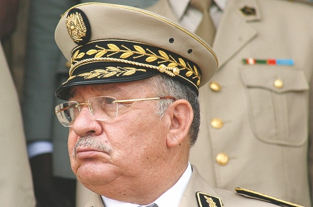 O general Gaïd Salah, chefe do Estado Maior do Exército