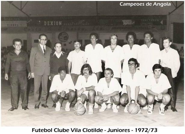 A equipa de basquetebol campeã de júiores de Angola, em 72/73. Jorge Fernandes é o 2º da primeira fila, a contar da esquerda para a direita, o único, aliás, de cabelo comprido.